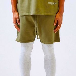 Essentials Fear of God Olive Shorts size XS